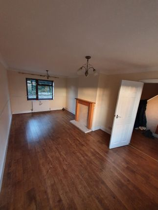 3 bed terraced house to rent in Crescent Road, Telford, Shropshire TF1