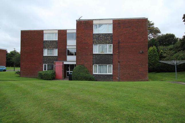Flat to rent in Holly Park Drive, Erdington, Birmingham