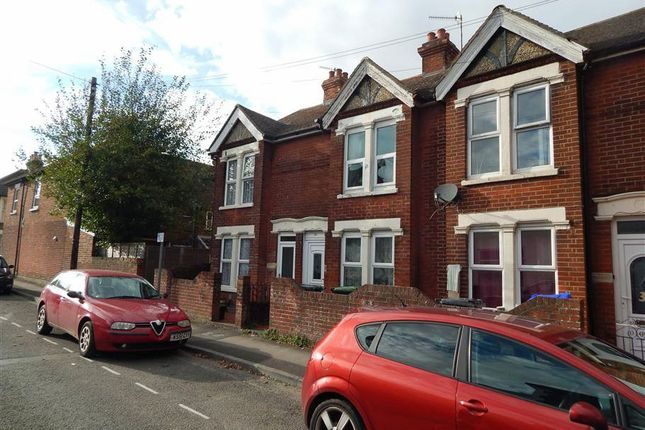 Thumbnail Property to rent in York Road, Salisbury, Wiltshire
