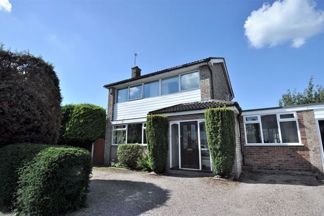 Thumbnail Property for sale in St. Andrews Drive, Holmes Chapel, Crewe