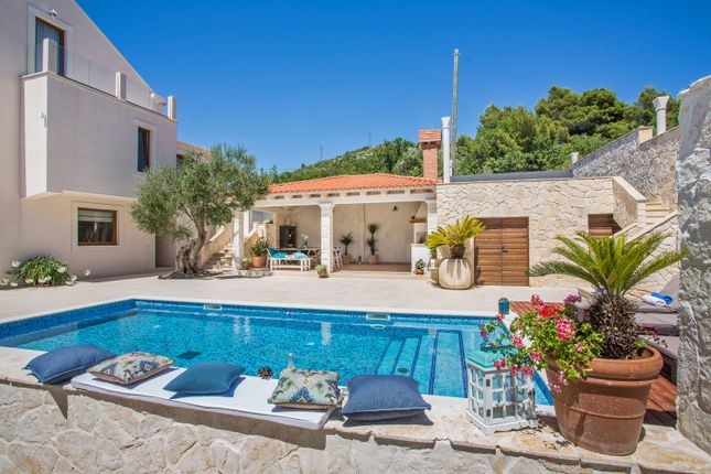 Thumbnail Villa for sale in Dubrovnik - Amazing Villa -10km Away, Čerjan, Orašac, Croatia