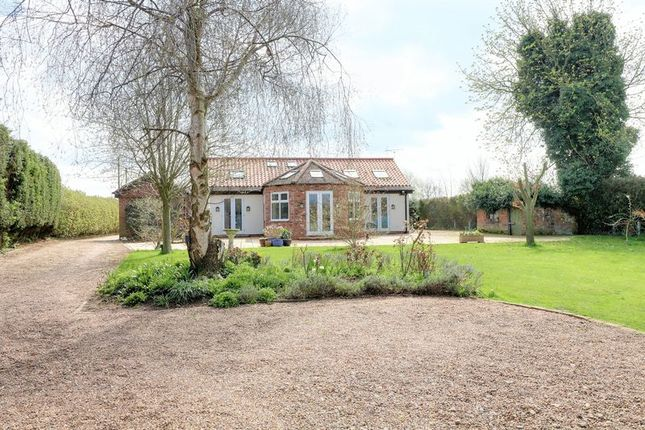 Thumbnail Detached bungalow for sale in The Retreat, Godnow Road, Crowle