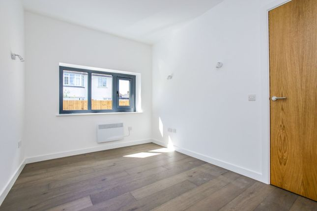 Bedroom of Temple Avenue, Croydon CR0