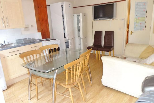 Thumbnail Town house to rent in Barchester Close, Cowley, Uxbridge