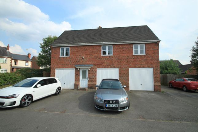 2 bed flat to rent in Kirkby Road, Barwell, Leicester