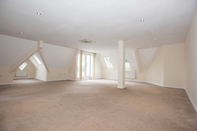 Thumbnail Penthouse to rent in Upper Park Road, Salford