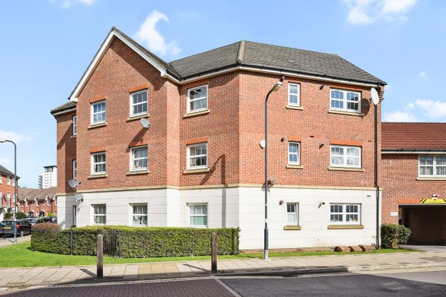 Thumbnail Flat for sale in East Lodge, Allenby Road, Thamesmead