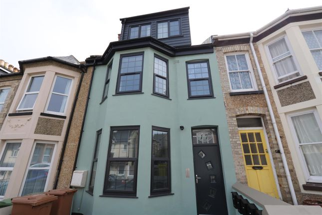 Thumbnail Terraced house for sale in Grosvenor Avenue, Newquay