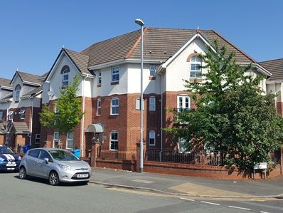 2 bed flat to rent in Briarfield Road, Withington M20