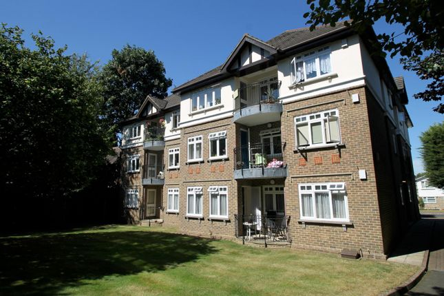 Thumbnail Flat to rent in Kingswood Mansions, Worcester Road, Sutton