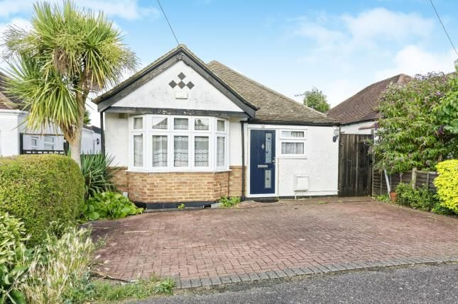 Thumbnail Bungalow for sale in New Haw, Surrey
