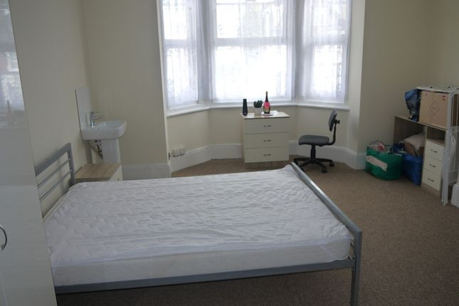 Thumbnail Shared accommodation to rent in Maidstone Road, Chatham