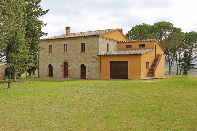 Farm for sale in San Casciano Dei Bagni, San Casciano Dei Bagni ...