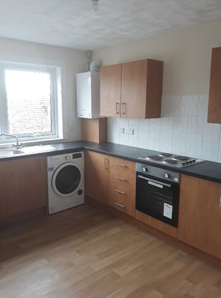 Thumbnail Flat to rent in Gareloch Way, Whitburn, West Lothian EH470Rt