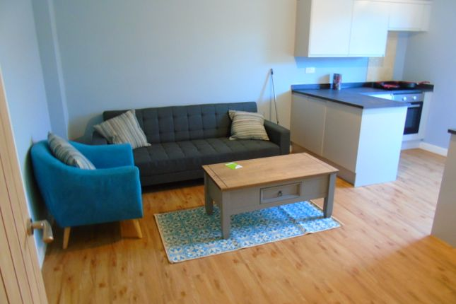 Thumbnail Flat to rent in Eastgate Street, Winchester