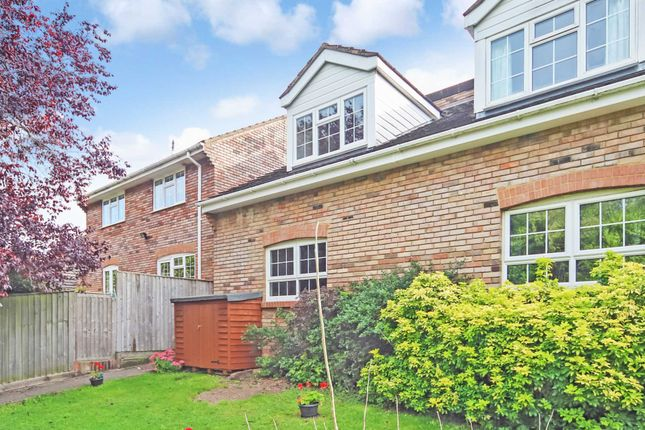 1 bed town house to rent in Hunters Close, Tring HP23