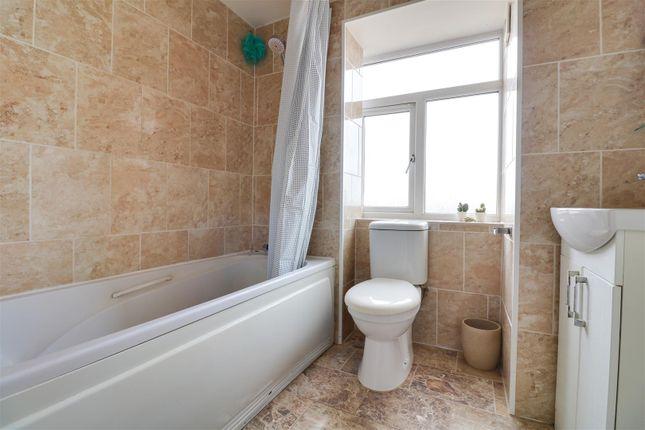 Bathroom of Dock Road, Tilbury RM18