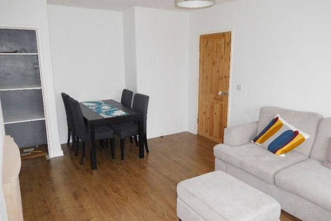 Thumbnail Flat to rent in Firth Crescent, Auchendinny, Midlothian