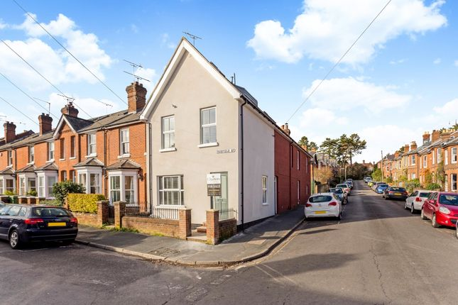 Thumbnail Terraced house to rent in Fairfield Road, Winchester