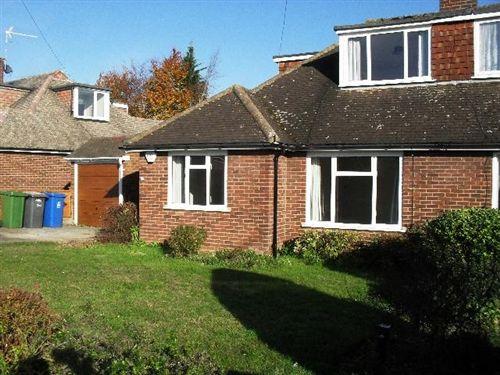 3 bed detached bungalow to rent in Highway Avenue, Maidenhead, Berkshire SL6
