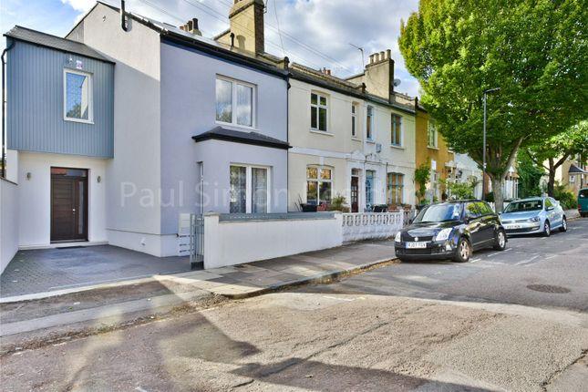 Picture No. 41 of Caversham Road, Harringay, London N15