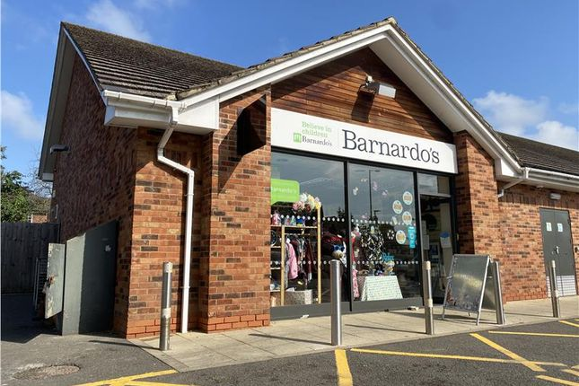 Thumbnail Retail premises to let in Unit 2 The Former Green Man, 6 Straight Bit, Flackwell Heath, Buckinghamshire