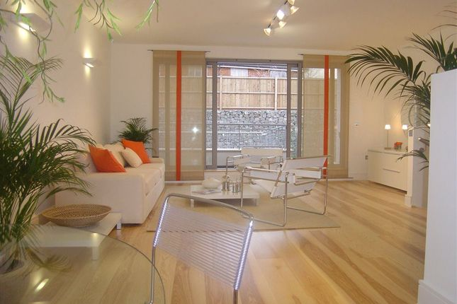 Thumbnail Terraced house to rent in Compton Terrace, Hermitage Road, London