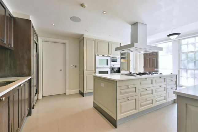 Thumbnail Detached house to rent in Watford Way, London