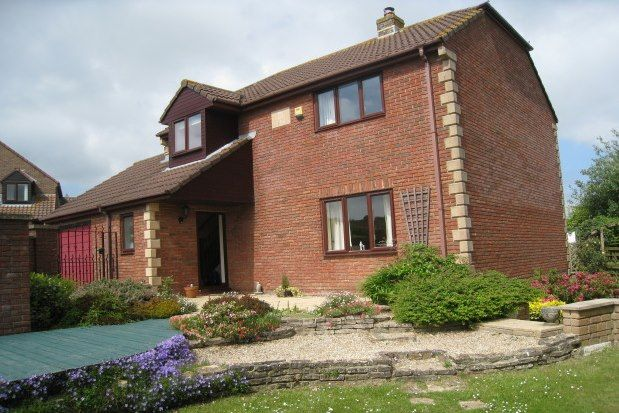 Thumbnail Property to rent in Dening Close, Chard