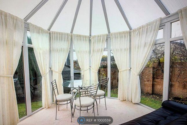 Room to rent in North Bughtlinside, Edinburgh EH12