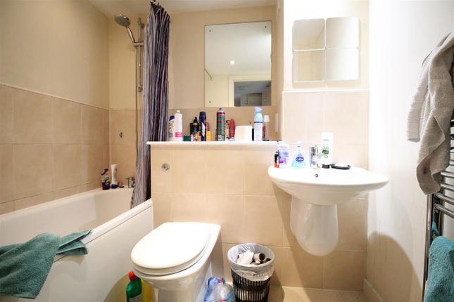 Bathroom of Queens Road, Nottingham NG2