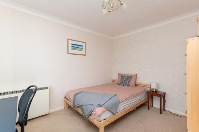 Thumbnail Terraced house to rent in Queens Drive, Bath