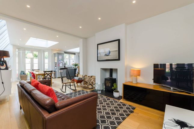 Thumbnail Flat for sale in Finlay Street, Fulham