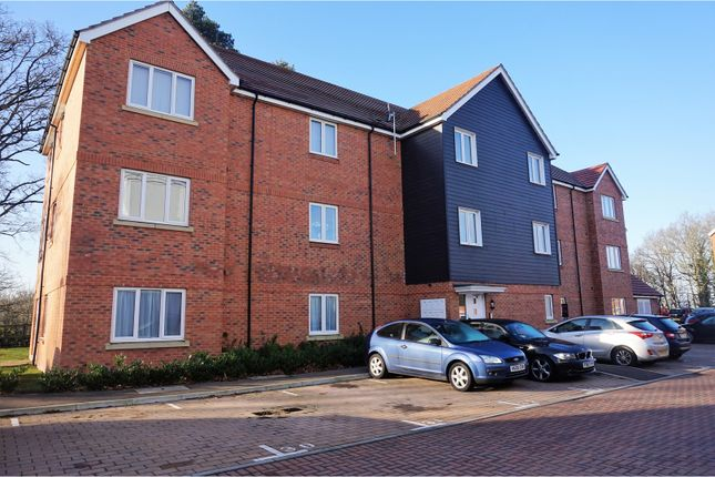 Thumbnail Flat for sale in Centrifuge Way, Farnborough