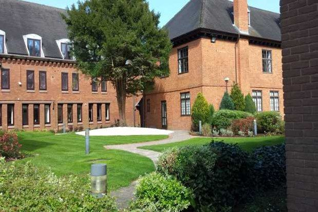 2 bed flat to rent in Ipsley Manor, Redditch B98