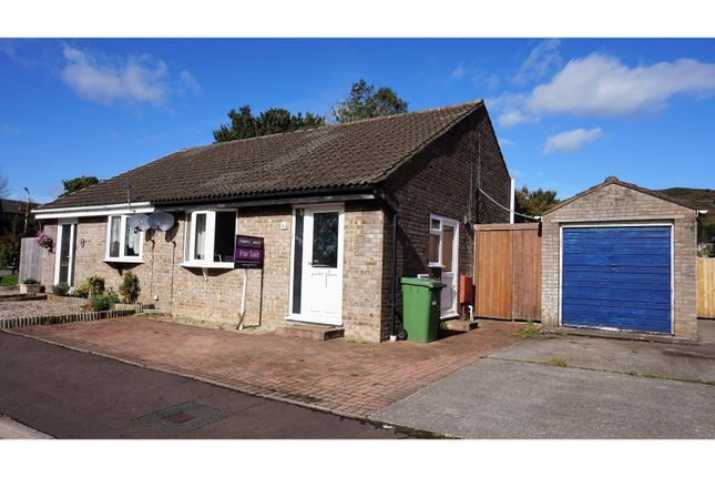 Thumbnail Bungalow for sale in Ash Walk, Pontyclun