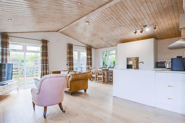 2 bed mobile/park home for sale in Mill Lane, Gisburn, Clitheroe BB7