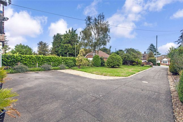 Picture No. 13 of White Hill Road, Meopham, Gravesend, Kent DA13