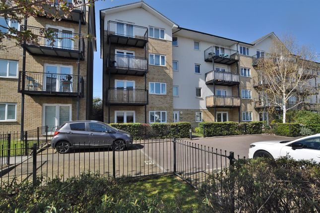 2 bed flat for sale in Sharps Court, Cooks Way, Hitchin SG4