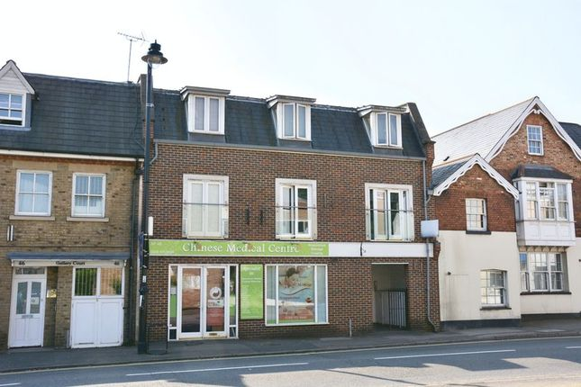 Thumbnail Flat for sale in Walton Road, East Molesey