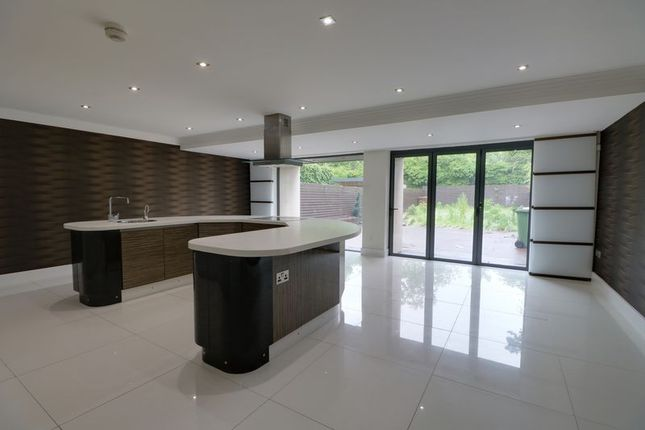 Thumbnail Town house to rent in Anlaby House Estate, Beverley Road, Anlaby, Hull