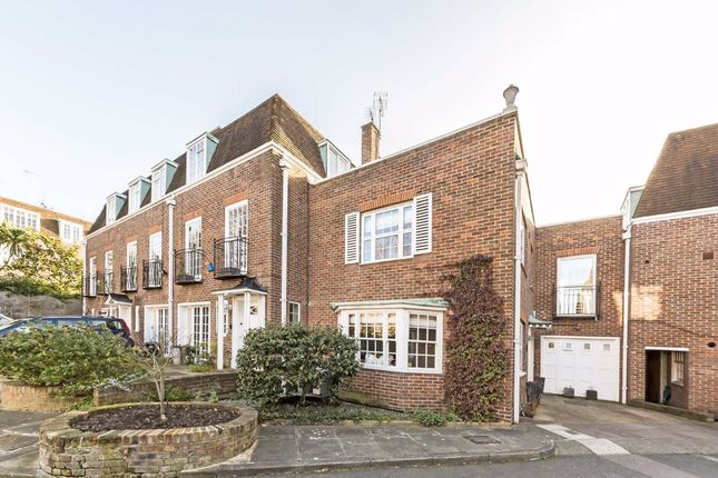 Thumbnail Property to rent in Abbotsbury Close, London