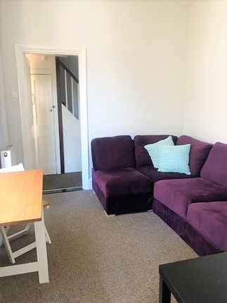 Thumbnail Shared accommodation to rent in Harold Road, Southsea