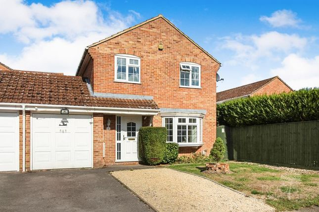 Thumbnail Detached House For Sale In Westerdale Thatcham