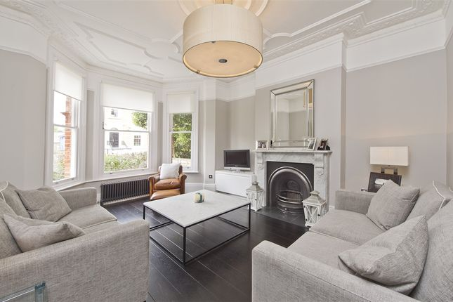 Thumbnail Property for sale in Lime Grove, London