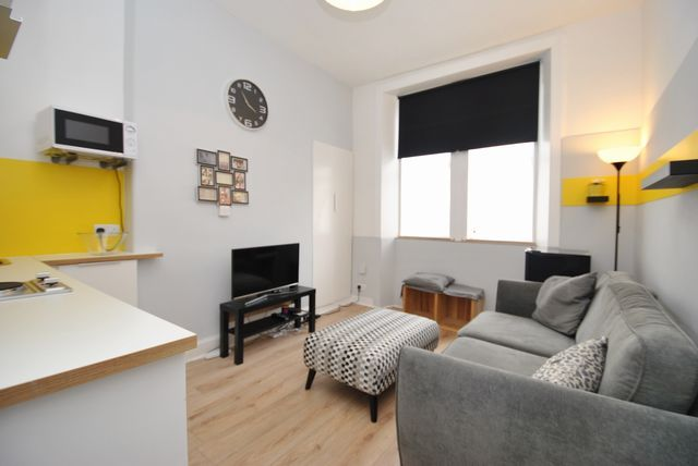 Thumbnail Flat to rent in Crow Road, Anniesland, Glasgow, Lanarkshire