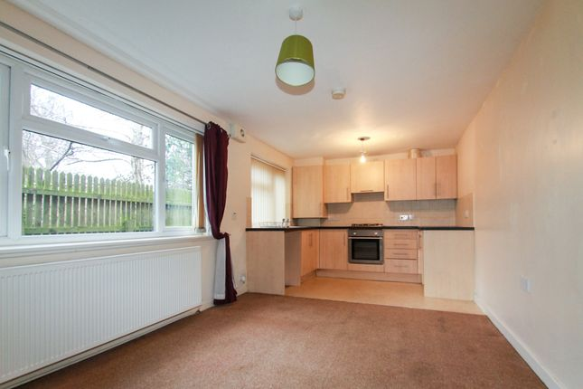 Thumbnail Flat to rent in Lower Town Street, Bramley, Leeds