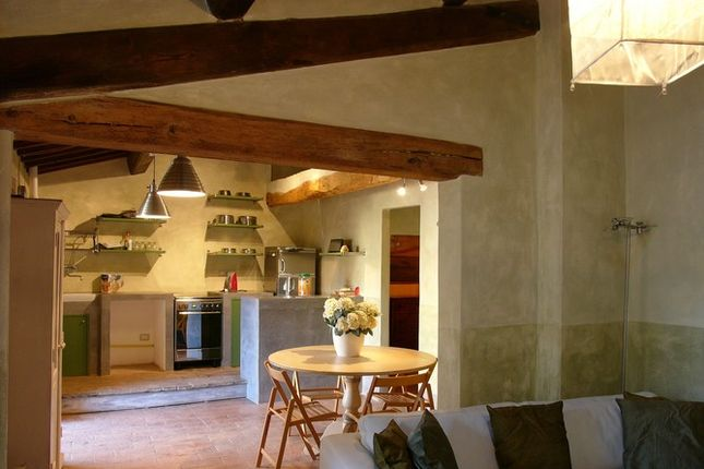 2 bed apartment for sale in Casceri, Citta di Castello, Umbria