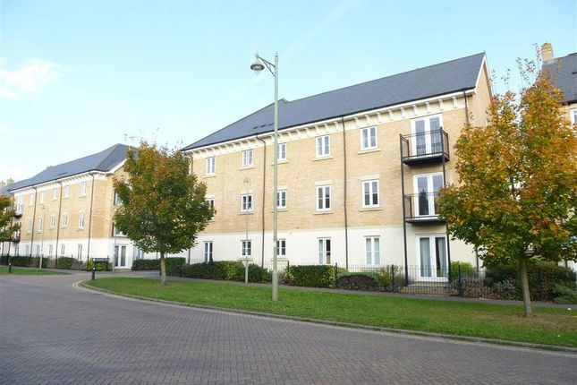 Thumbnail Flat to rent in Appleford Drive, Carterton