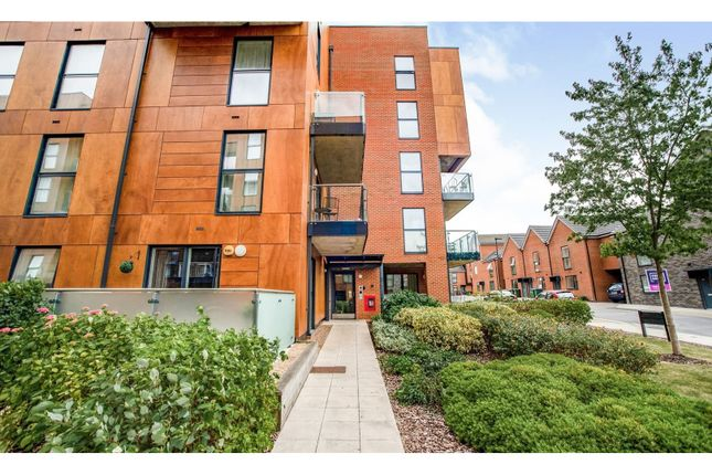 Thumbnail Flat for sale in Callender Road, Erith